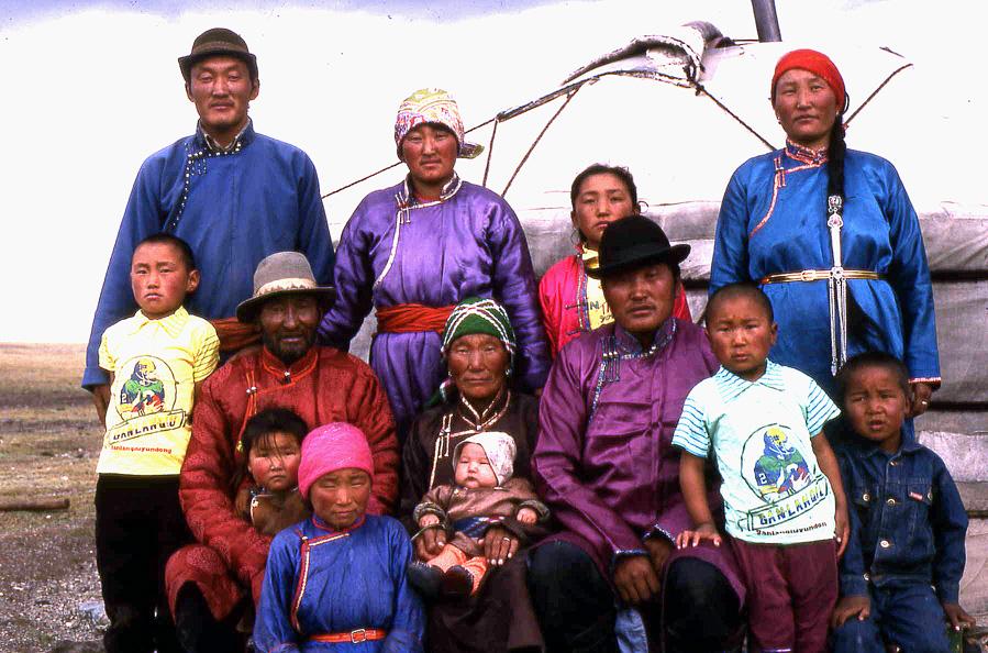 Mongolia-gobi-family