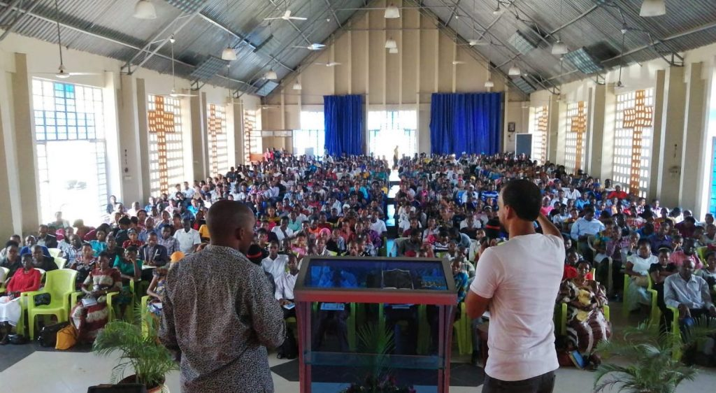 Over 1,000  volounteers from hundreds of churches were trained to take calls at the ministry call center